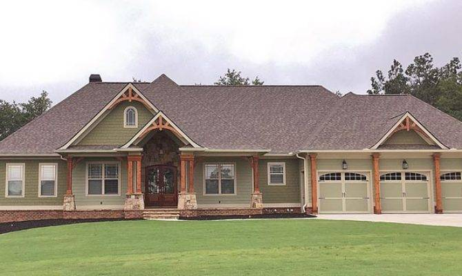 Craftsman Ranch Traditional House Plan