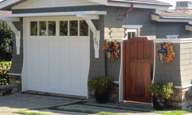 Craftsman Style Garage Gate Like Side Yard Could Between