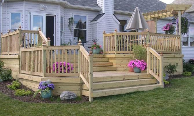 Custom Wood Deck Elyria Fence