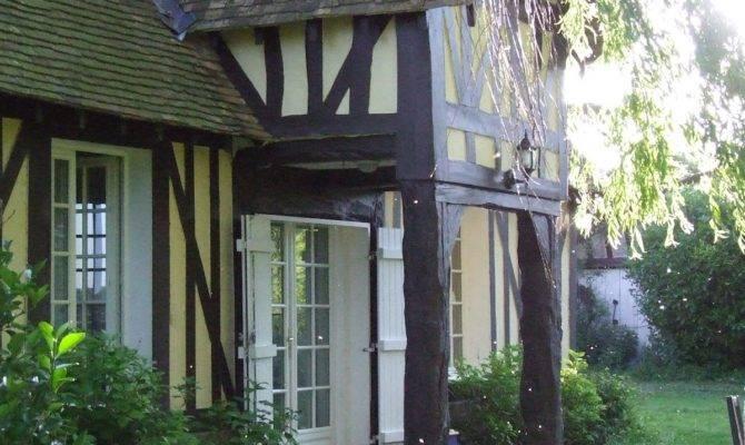 Cute Country House Presenting Bright Interior Home Design