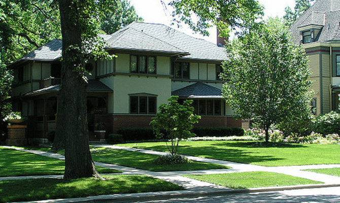 Daily Bungalow Oak Park Prairie Style