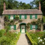 Decor Day English Cottage Green Shutters