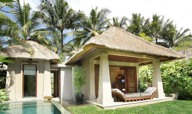 Deluxe Villas Have Small Private Pools Landscaped Yards