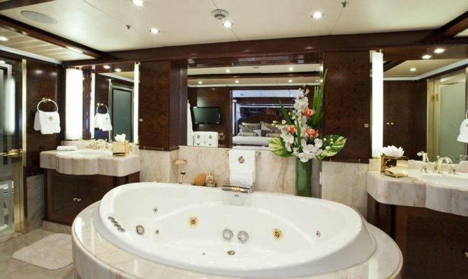 Design Luxurious Master Bathroom