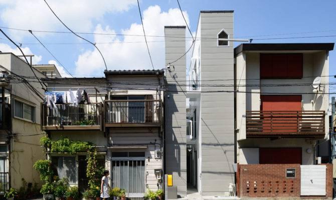 Design Narrow House Large Gap