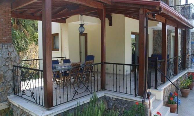 Difference Between Porch Veranda