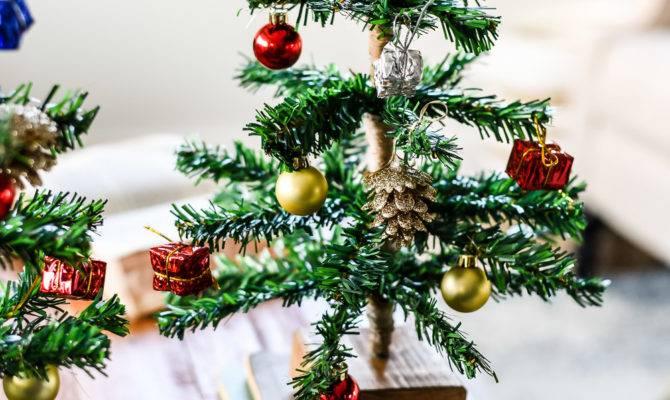 Diy Mini Tabletop Christmas Tree Weathered Fox