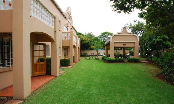 Elegant Lodge Menlo Park Pretoria Book Your Hotel
