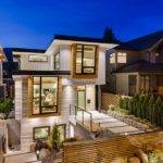 Energy Efficient Contemporary Home Design Garden
