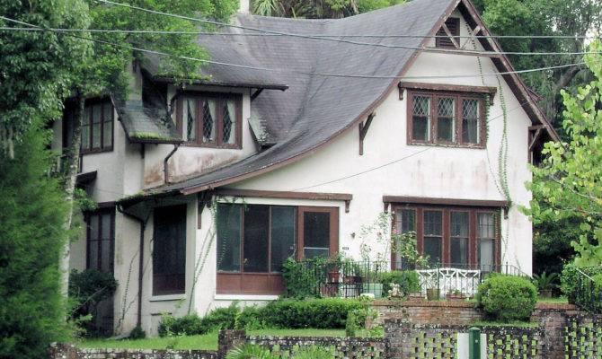 English Cottage Style East Pennsylvania Avenue