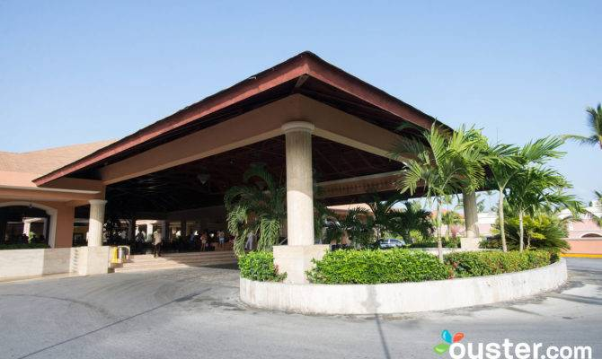 Entrance Majestic Colonial Punta Cana Oyster