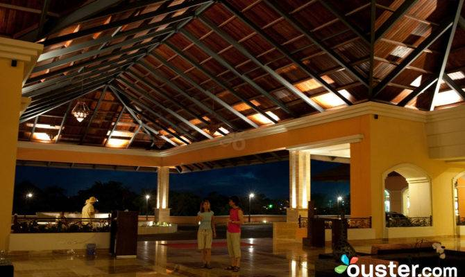 Entrance Majestic Elegance Punta Cana Luxury All