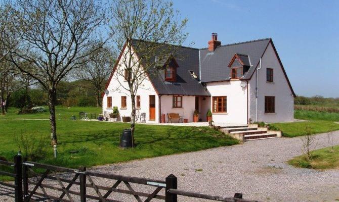 Farmhouse Catholic Lane