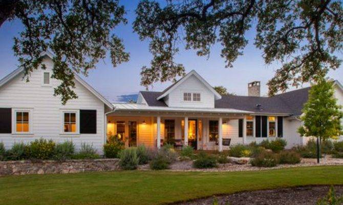 Farmhouse One Story Exterior Home Design Ideas Remodels
