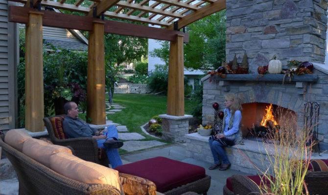 Few Handy Modern Backyard Design Tips Interior