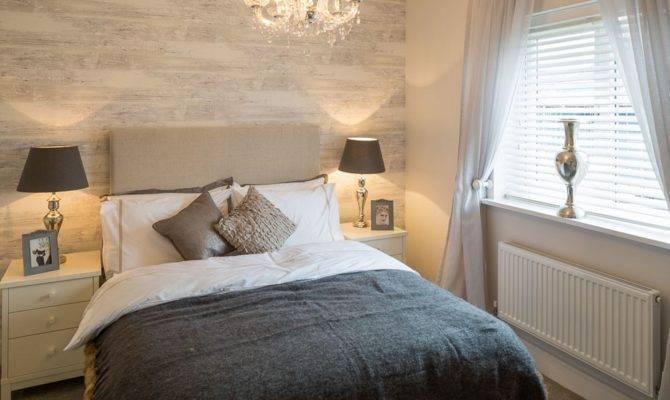 Four Bedroom Show Home Aerdeyrn Glan Llyn