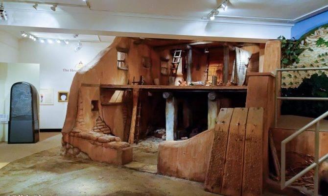 Four Room House Reconstruction Harvard Semitic Museum
