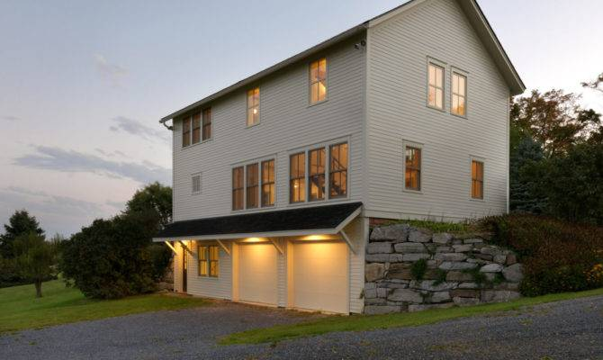 Garage Guest House