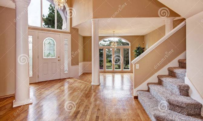 Gorgeous Foyer Luxury House