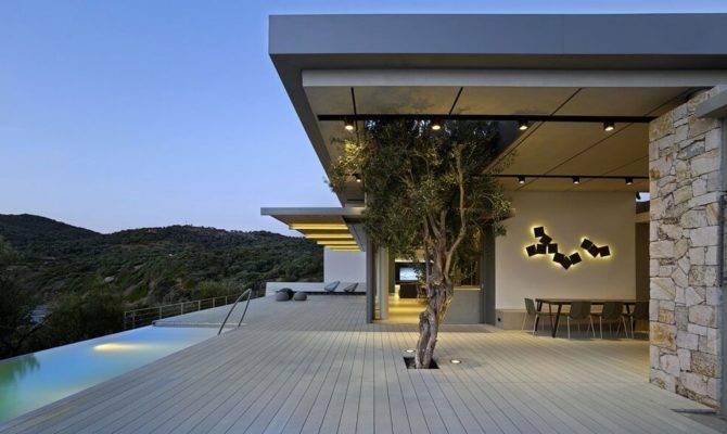 Greek Island House Frames Beautiful Sea Views Freshome