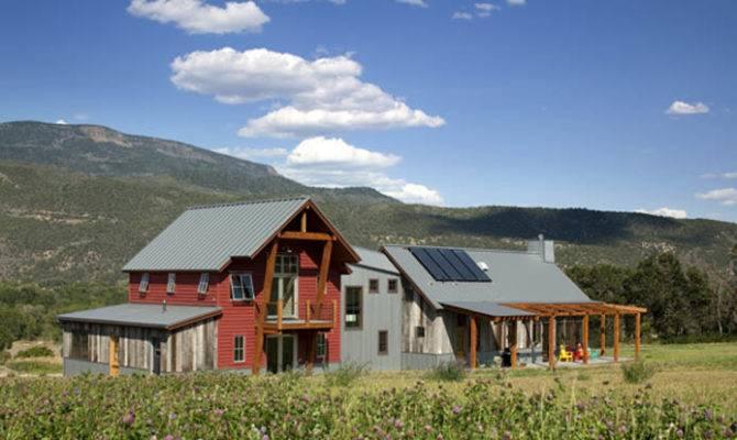 Greenline Architects Emma Farmhouse