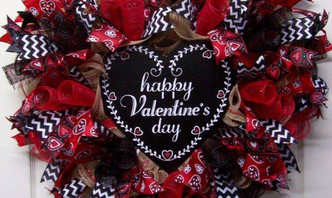Happy Valentine Day Burlap Wreath Heart