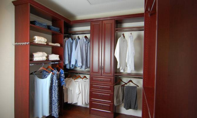 His Hers Walk Closet Potomac Traditional
