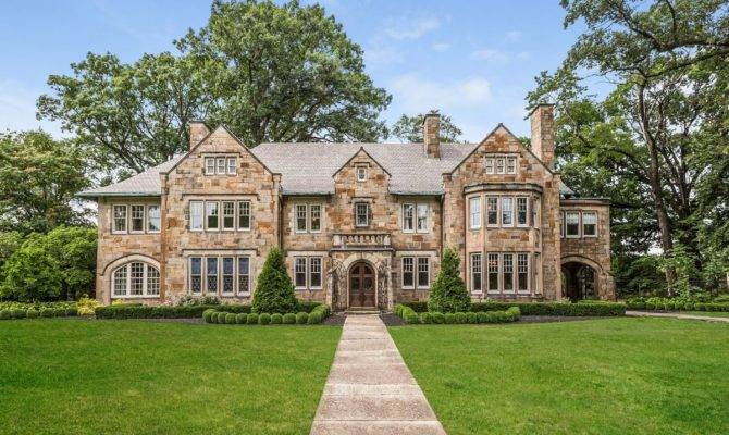 Historic Briggs Stone Hedge Mansion Sells