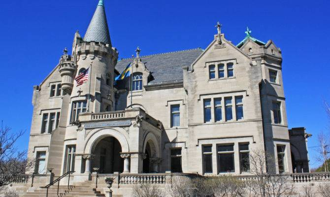 Historic Mansion Located Just South Downtown Minneapolis