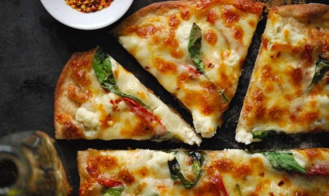 Homemade Pizza Relishing