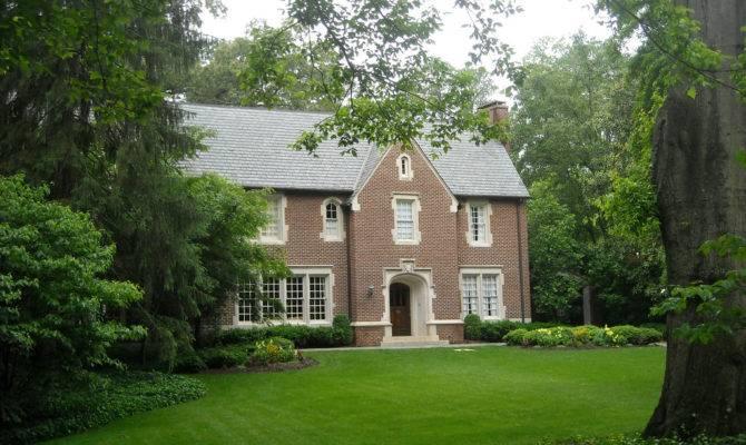Hope Enjoyed Tour Tudor English Style Homes
