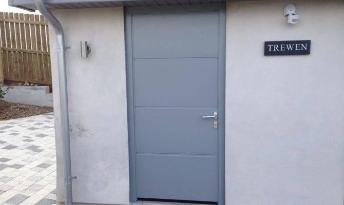 Hormann Large Ribbed Silk Grain Garage Door Matching