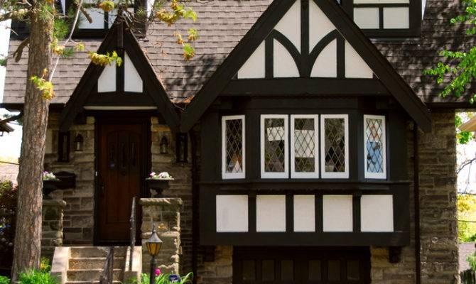 House Guide Tudor Homes Porch Advice