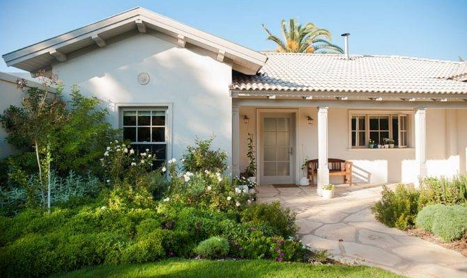 House Israel Gets Contemporary Makeover
