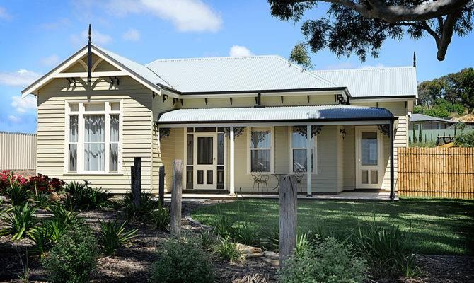 House Listings Urban Has Says Farmhouse Style Farm