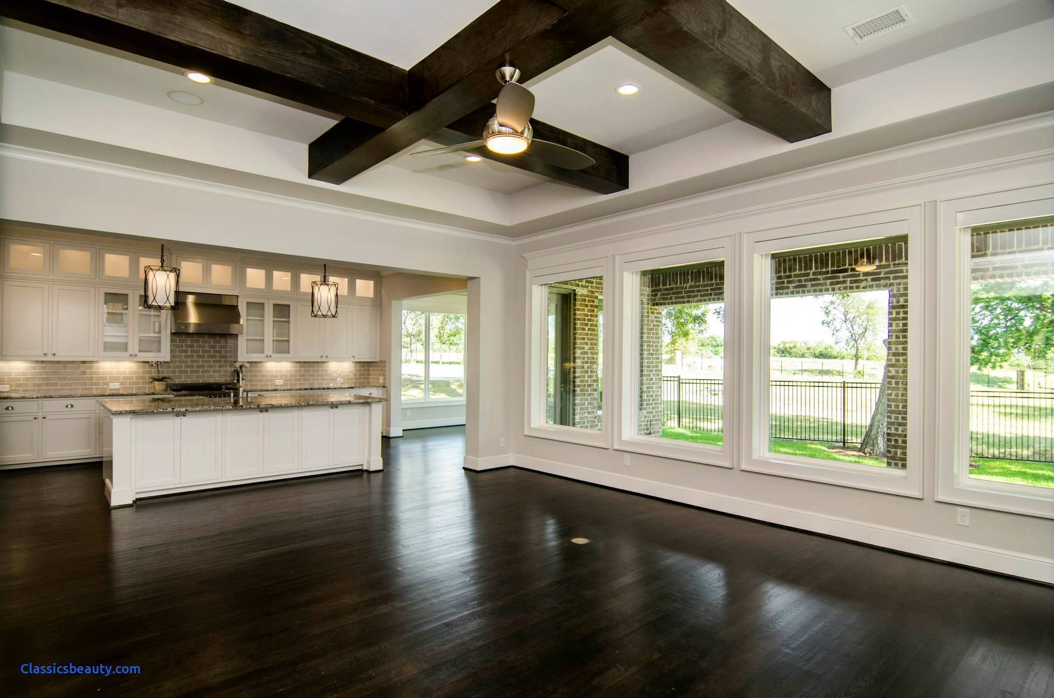 16 Open Floor Plans With Large Kitchens