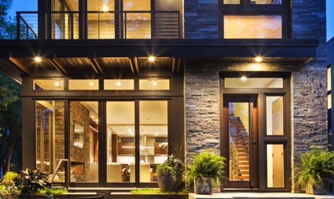 Idyllic Contemporary Residence Privileged Views