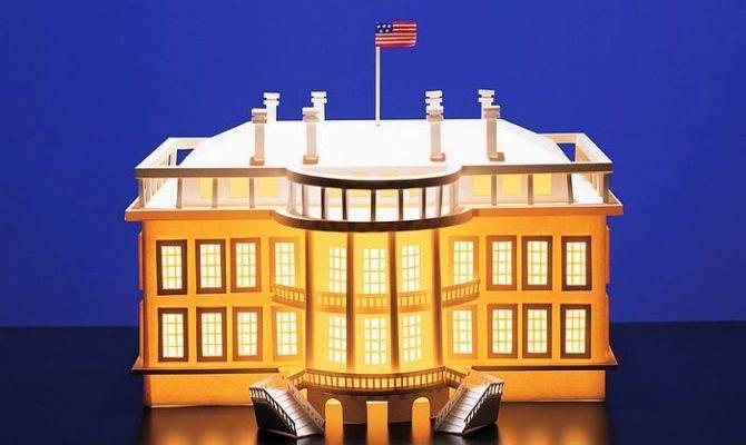 Illuminated White House Paper Model