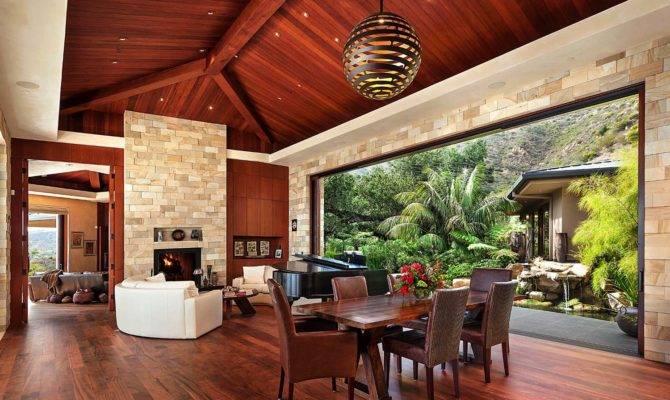 Indoor Outdoor Living Overlooks Pacific Ocean