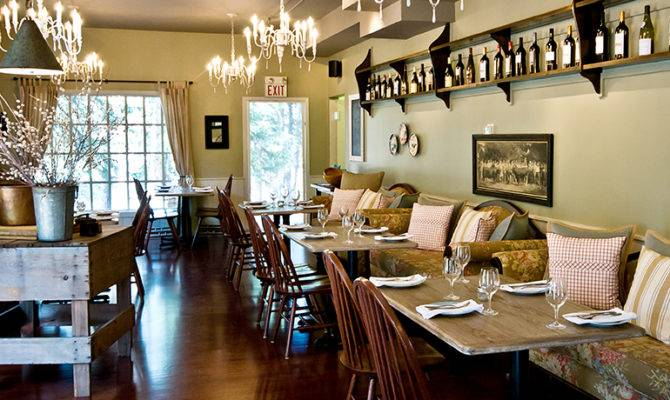 Italian Farmhouse Bragg Creek Dining