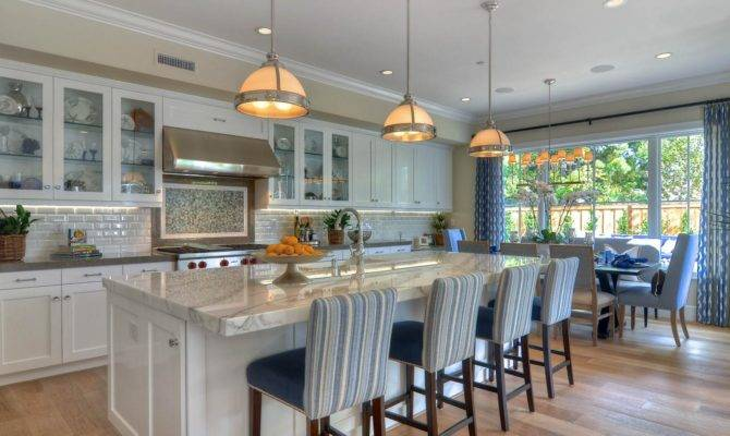 Kevin Smith White Traditional Kitchen Island Rend Hgtvcom