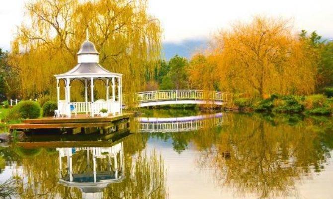 Lakeside Cottage Luxury