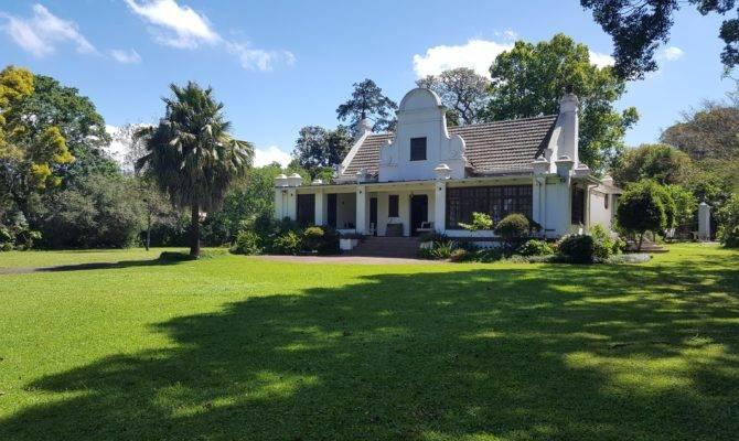 Large Home Expansive Plot