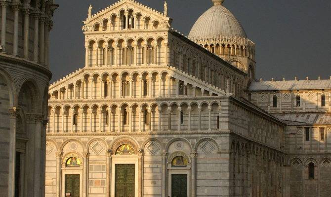 List Regional Characteristics European Cathedral