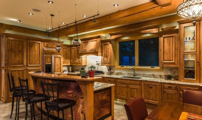 Log Home Kitchen Touches