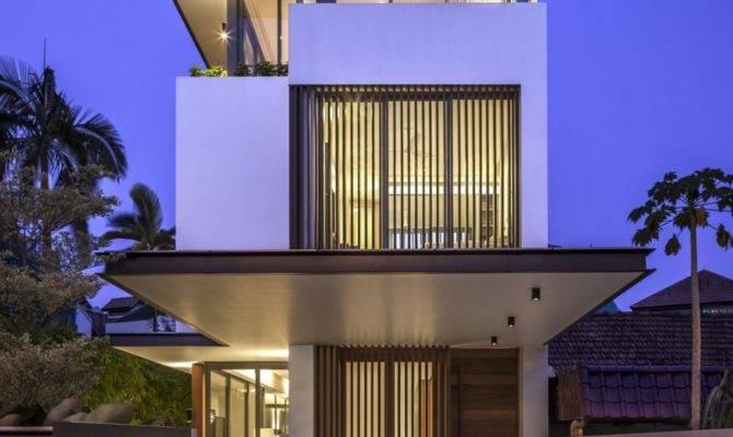 Long Narrow House Singapore Encouraging Strong