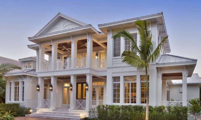 Luxurious Southern Plantation House