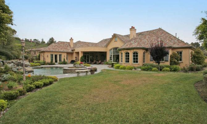 Luxury One Level Homes Quotes House Plans
