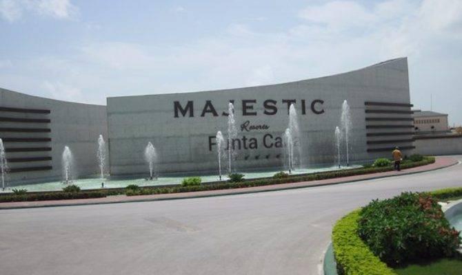 Main Entrance Majestic Mirage Punta Cana