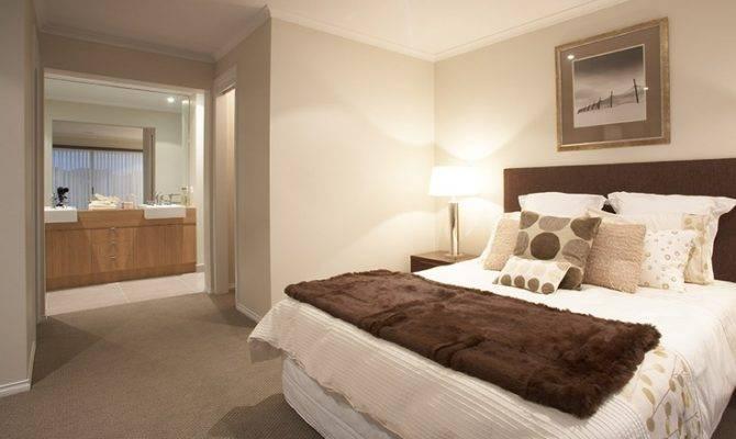 Master Bedroom Featuring Walk Robe Ensuite Hotondo